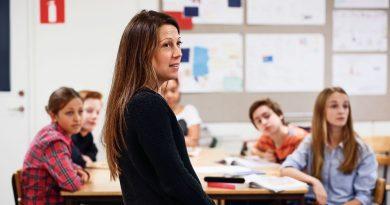 5 Tips for Becoming an Apolitical Teacher